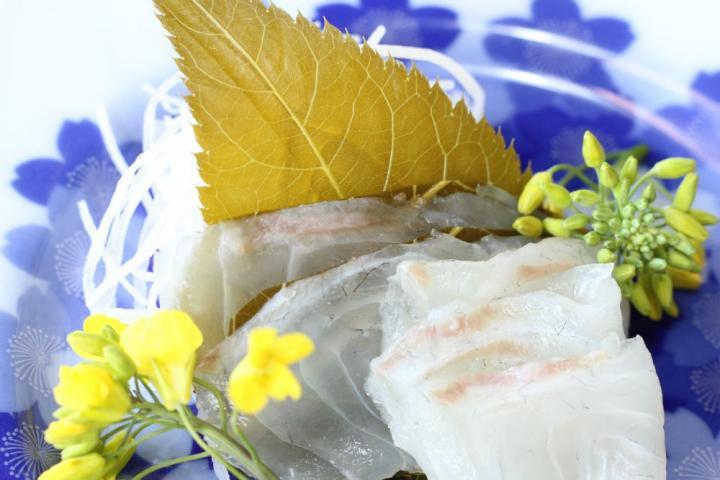 スダチの香りの ミニ海老アボガドかき揚げ丼