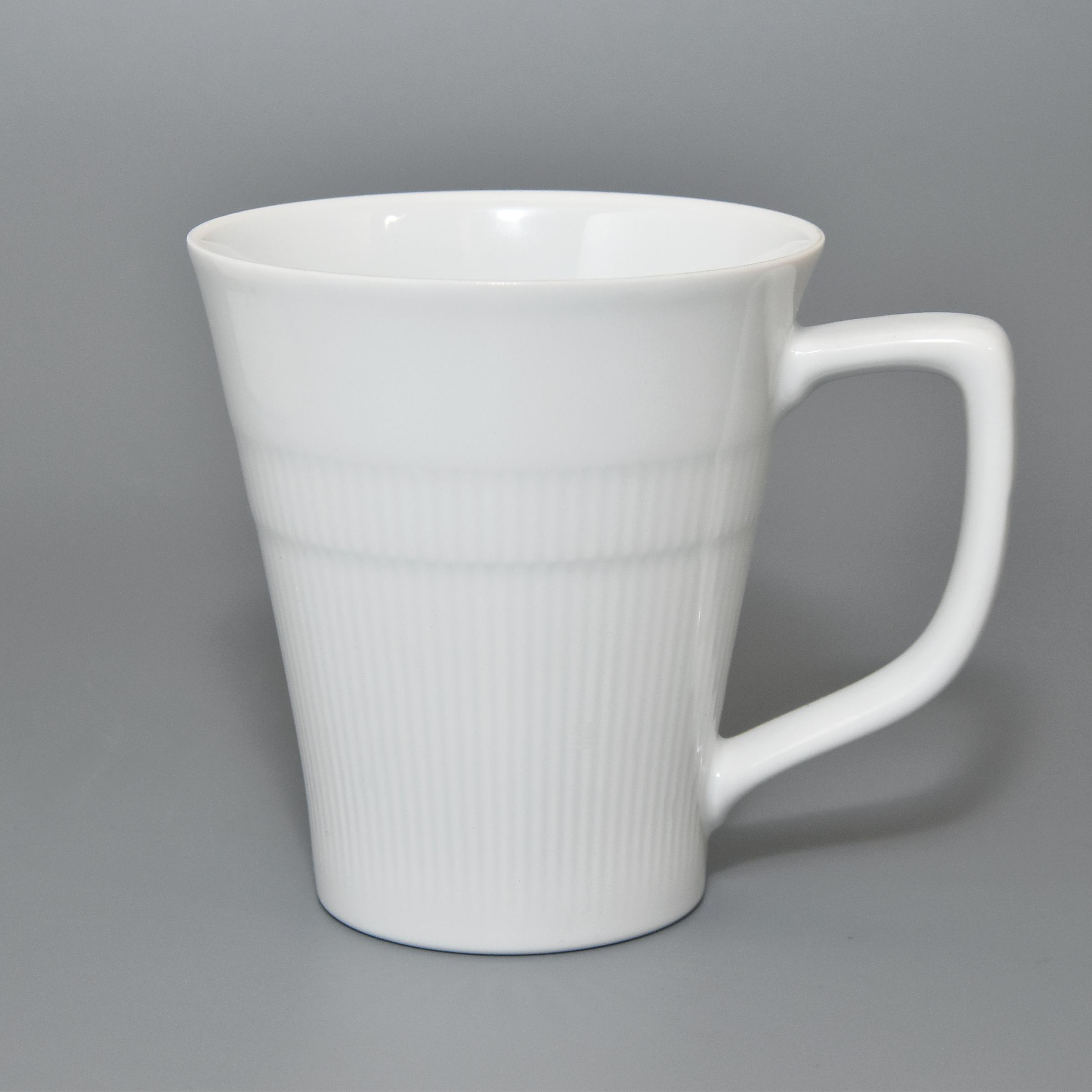 (ホワイト&レリーフ)マグカップ(香蘭社)